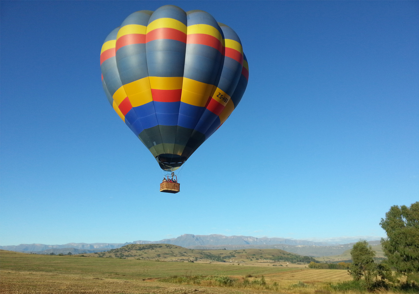 A beautiful morning for hot air ballooning.